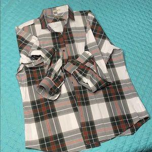 Express Men's fitted casual dress shirt